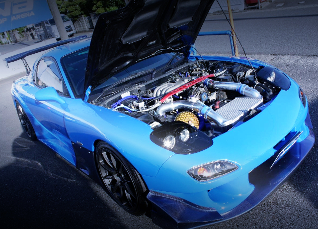 HOOD OPEN TO FD3S RX-7.