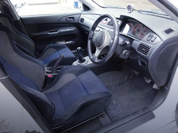 CT9A LANCER EVOLUTION 7 INTERIOR