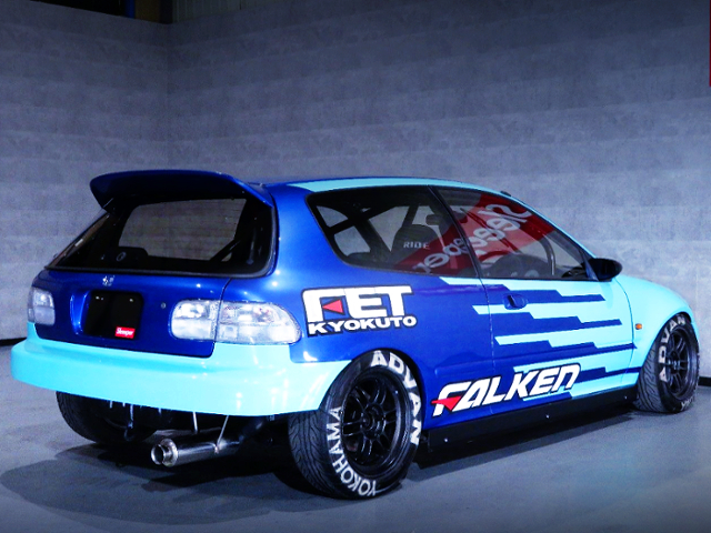 REAR EXTERIOR OF FALKEN COLOR EG6 CIVIC SiR2.