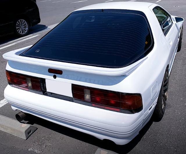 REAR EXTERIOR OF FC3S RX-7 GT-X.