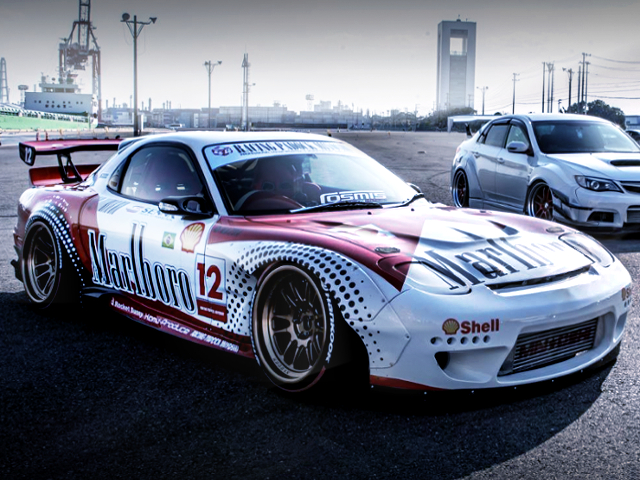 FRONT EXTERIOR OF MALBORO RACING FD3S RX7.