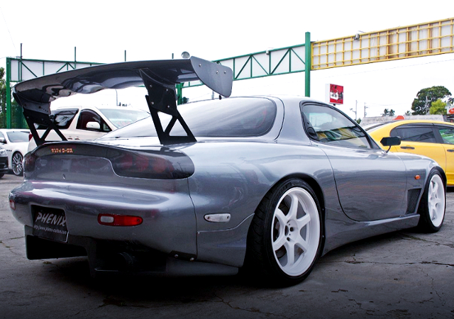 REAR EXTERIOR OF MAZDA RX-7 SPRIT-R TYPE-A TO SANAI REIDEN.