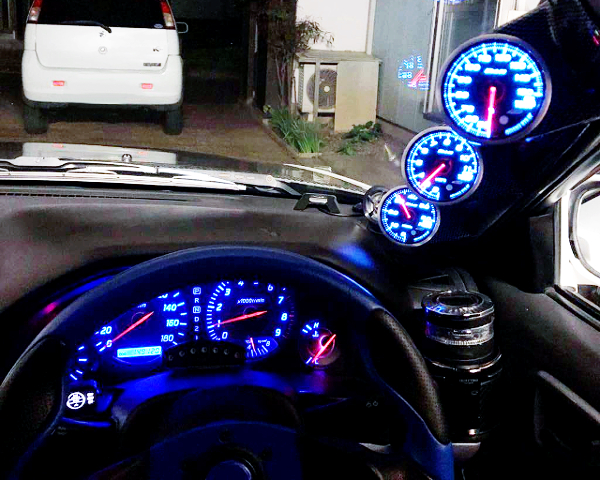 SPEED CLUSTER AND AFTERMARKET GAUGES