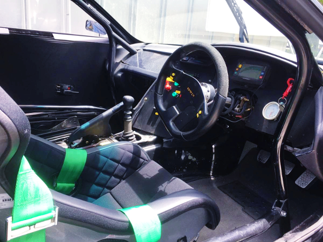 ROLL CAGE AND CUSTOM DASHBOARD.