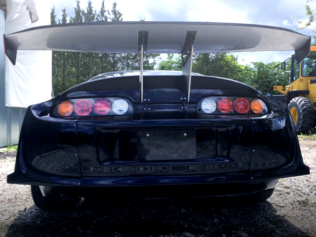 SUPER GT300 RACE WING INSTALLED JZA80 SUPRA RZ.