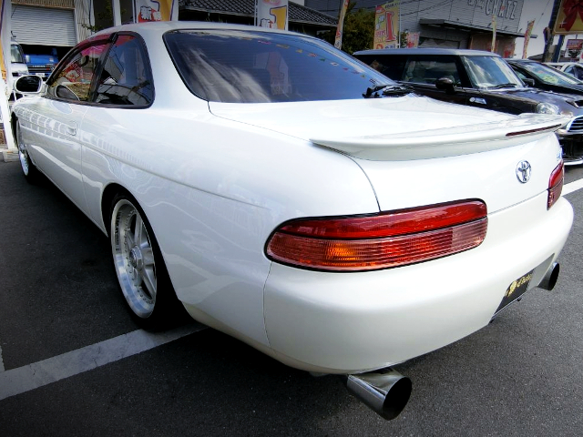 REAR EXTERIOR OF JZZ30 SOARER 25GT-T.