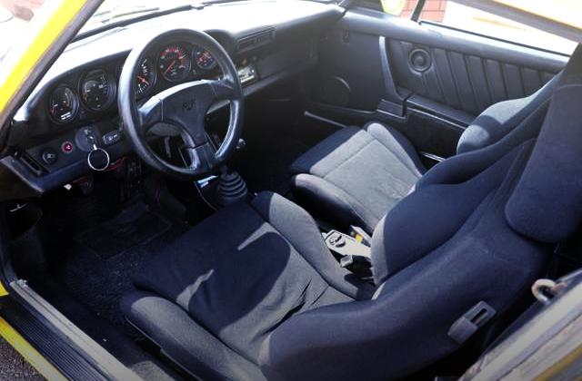 PORSCHE 930 TURBO INTERIOR TO LEFT HAND DRIVE.