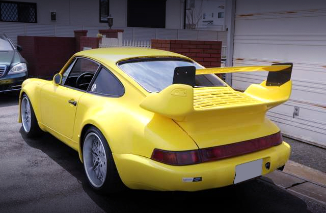 REAR EXTERIOR OF 964 STYLE TO 930 TURBO YELLOW.