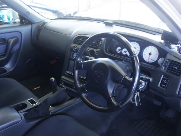 INTERIOR OF R33 SKYLINE 4-DOOR GT-R AUTECH Ver 40TH.