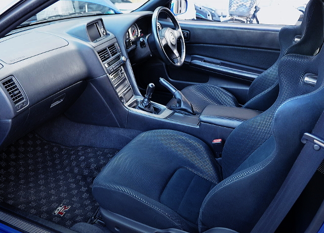 INTERIOR OF R34 GT-R V-SPEC2 Nur TO BAYSIDE BLUE Color.