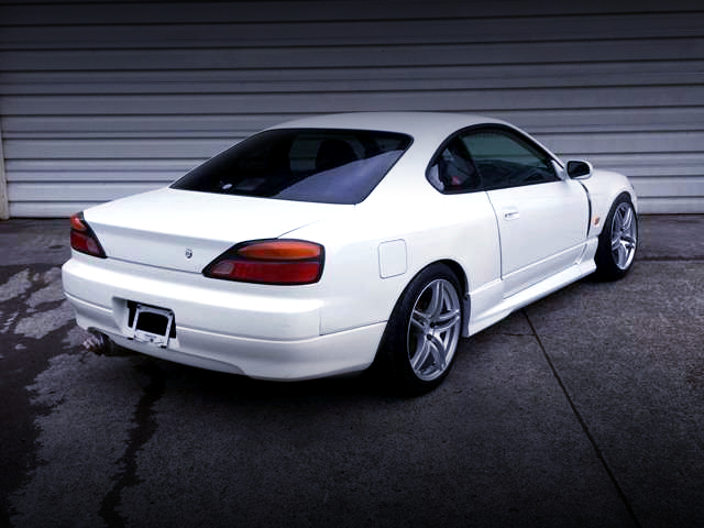 REAR EXTERIOR OF S15 SILVIA WHITE.