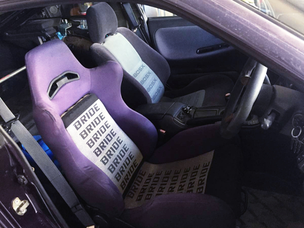 DRIVER'S BRIDE SEMI BUCKET SEAT.