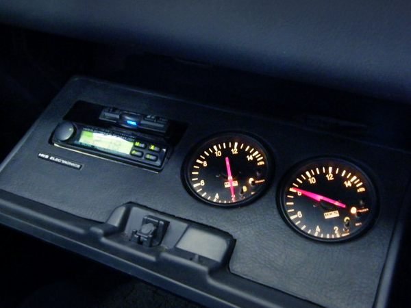 GAUGES IN GLOVE COMPARTMENT