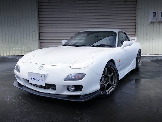 FRONT EXTERIOR OF FD3S RX-7 TYPE-RS.