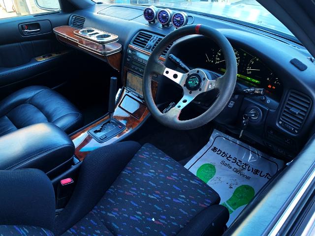DRIVER'S DASHBOARD OF DRIFT CUSTOM CELSIOR.