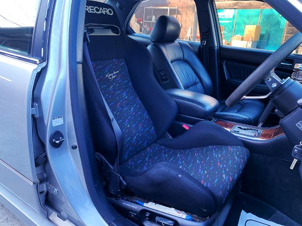 DRIVER'S RECARO SEMI BUCKET POWER-SEAT.