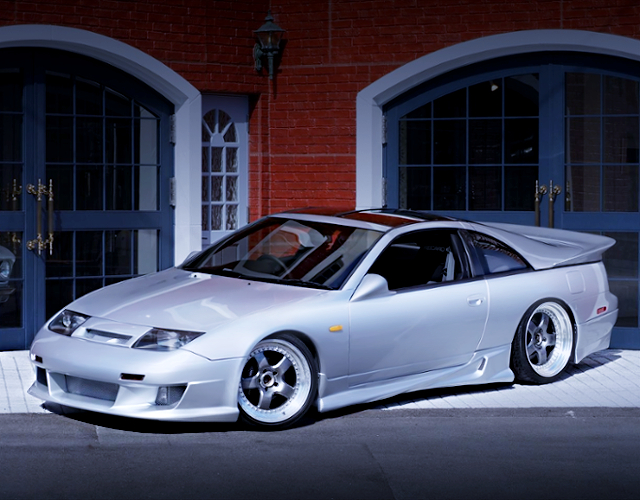 FRONT SIDE EXTERIOR OF Z32 FAIRLADY Z 300ZX TWINTURBO TO SILVER.