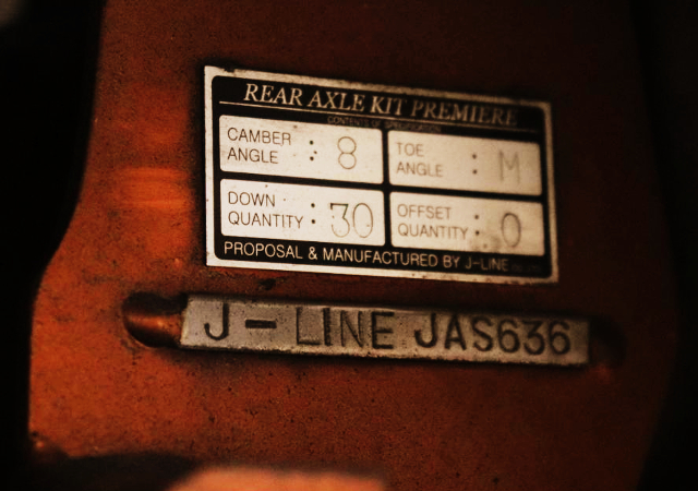 J-LINE REAR AXLE KIT INSTALLED.