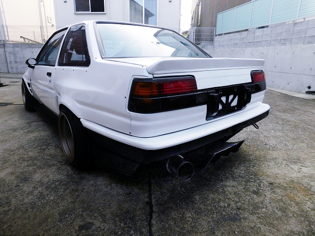 REAR EXTERIOR OF AE86 LEVIN WIDEBODY.