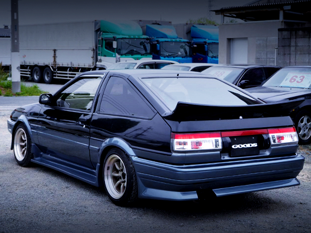 REAR EXTERIOR OF AE86 TRUENO GT-APEX.