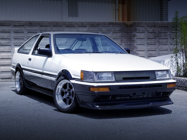 FRONT EXTERIOR OF AE86 LEVIN GTV HIGH TECH TWO-TONE.