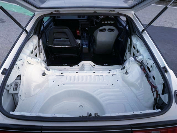 REAR LUGGAGE ROOM TO AE86 LEVIN HATCH.