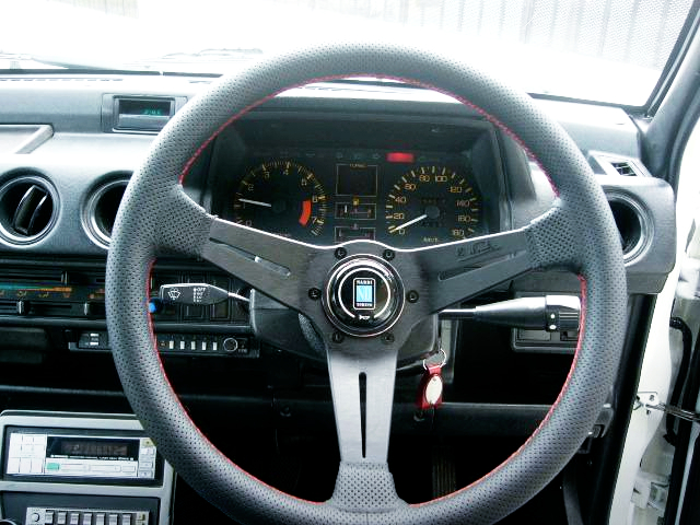 NARDI STEERING AND CLUSTER OF FA HONDA CITY CABRIOLET.