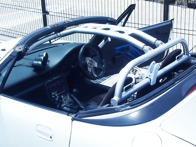 ROLL CAGE INSTALLED TO EA11R CAPPUCCINO INTERIOR.