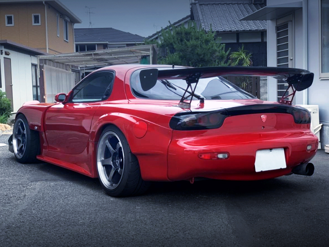REAR EXTERIOR OF FD3S RX-7 TO RE-AMEMIYA WIDEBODY AND RED PAINT.