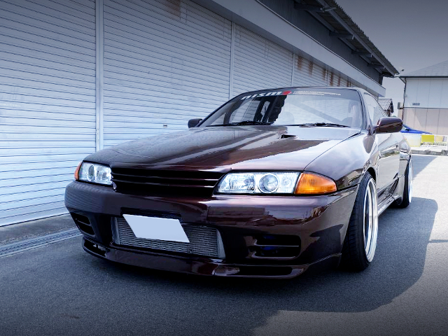 FRONT EXTERIOR OF R32 GT-R.