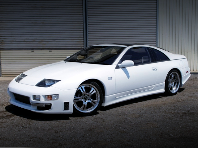 FRONT EXTERIOR OF Z32 FAIRLADY Z 300ZX TWINTURBO 2BY2 T-BARROOF PEARL WHITE.