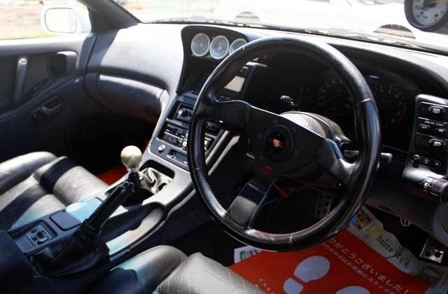 Z32 INTERIOR DASHBOARD OF RIGHT HAND DRIVE MODEL.