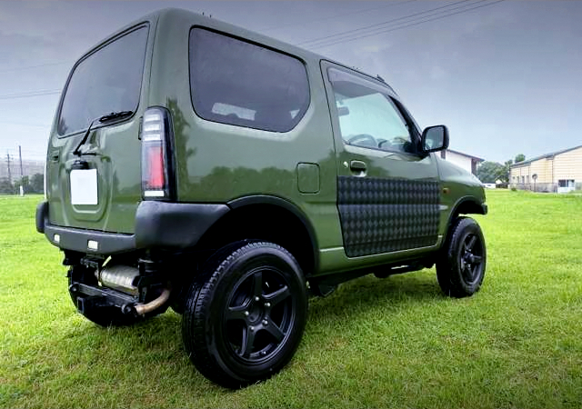 REAR EXTERIOR OF JB43W JIMNY SIERRA TO GREEN PAINT.