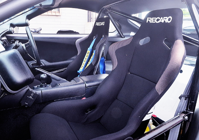 RECARO FULL BUCKET TWO-SEATER AND ROLL CAGE.
