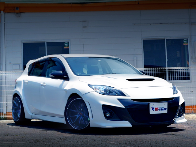 FRONT EXTERIOR OF WIDEBODY OF BL3FW MAZDA SPEED AXELA.