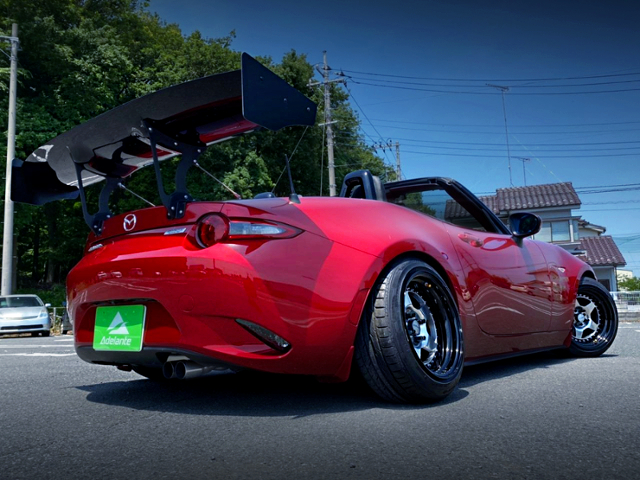 REAR EXTERIOR OF ND5RC MAZDA ROADSTER S-SPECIAL PACKAGE.