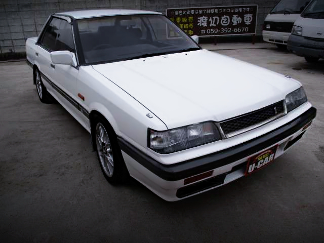 FRONT EXTERIOR OF R31 SKYLINE GT PASSAGE.
