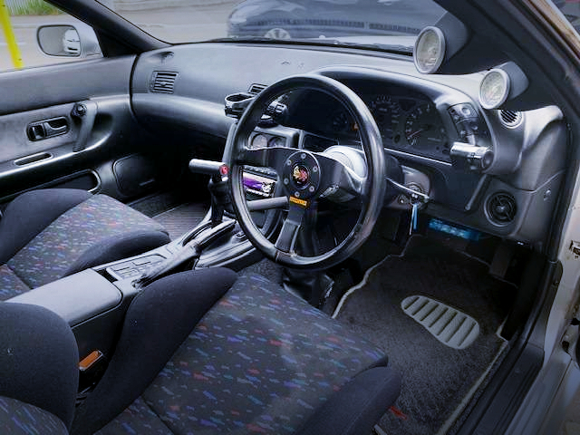 AUTOMATIC SHIFT CONVERSION INTERIOR TO R32GT-R.