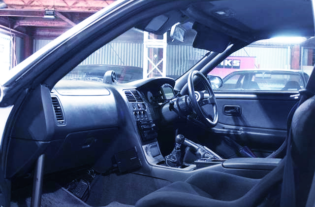 R33 GT-R MODIFIED INTERIOR.