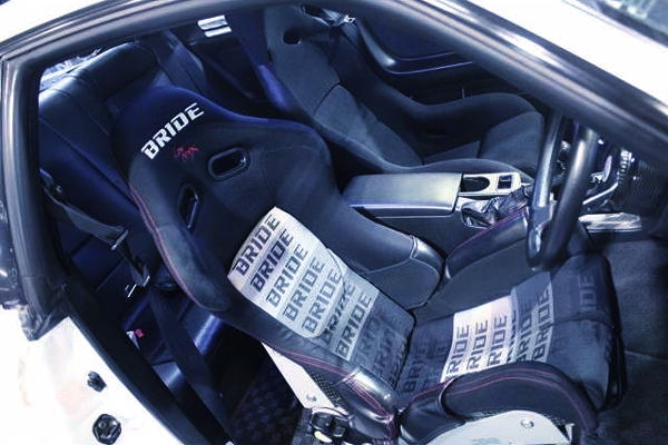 FULL BUCKET SEATS INTO R33 GT-R INTERIOR.