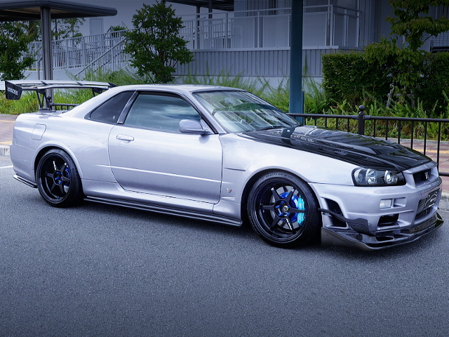 RIGHT-SIDE EXTERIOR OF Z-TUNE R34 GT-R V-SPEC.