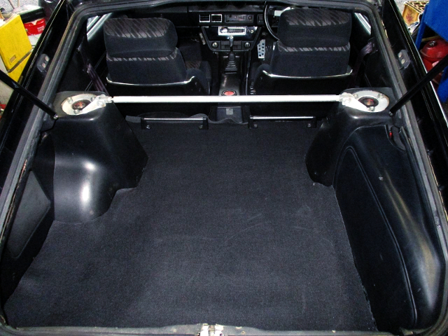 REAR LUGGAGE ROOM TO S130Z.