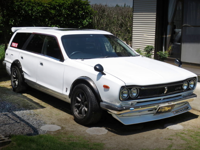 FRONT EXTERIOR OF WGC34 STAGEA TO HAKOSUKA LOOK ALIKE.