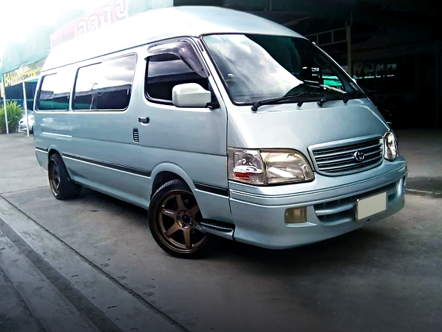FRONT EXTERIOR OF H100 HIACE COMMUTER.