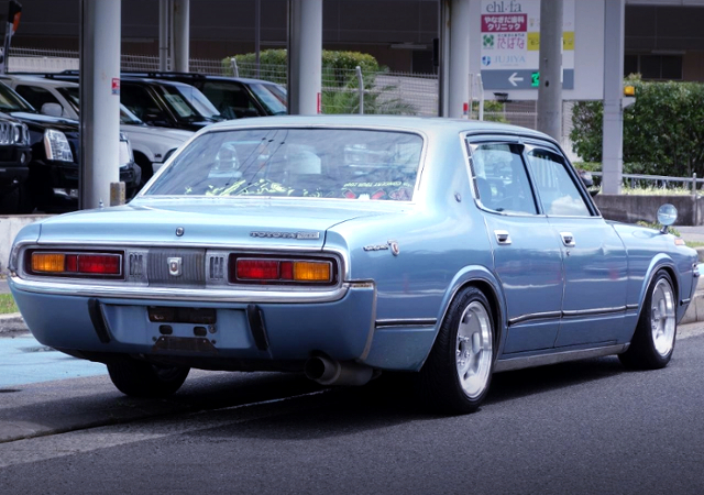 REAR EXTERIOR OF 4th Gen CROWN SEDAN TO LIGHT-BLUE COLOR.