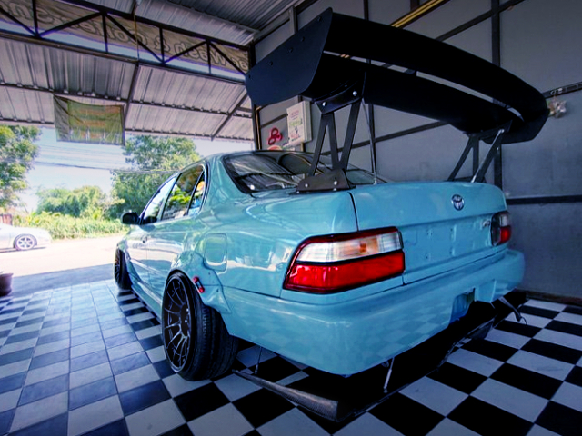 REAR TAIL LIGHT AND GT-WING OF AE100 COROLLA 4-DOOR WIDEBODY.