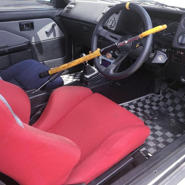 AE86 COROLLA LEVIN GTV INTERIOR.