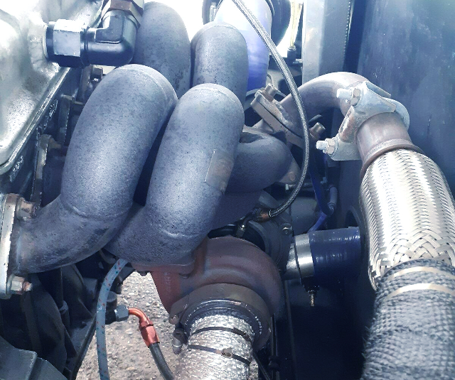 TURBOCHARGER AND EXHAUST MANIFOLD.