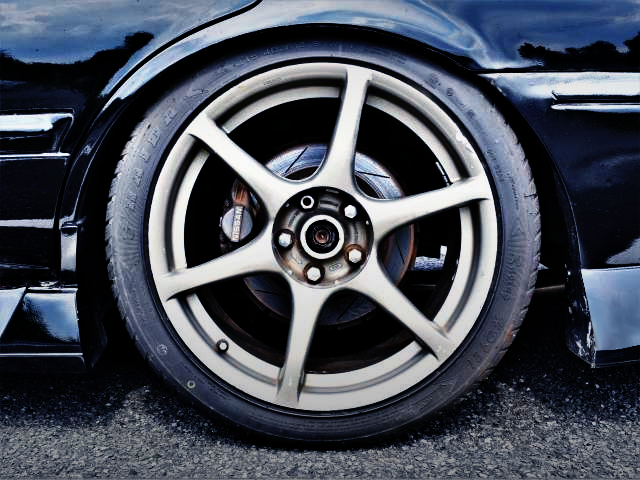 REAR 2-POT CALIPER AND R34GT-R WHEEL.