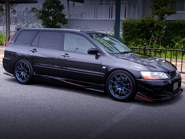 FRONT EXTERIOR OF LACER EVOLUTION WAGON GT.